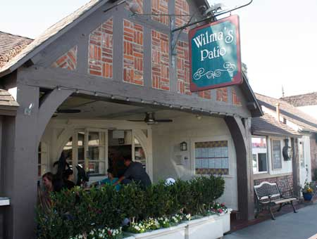 Beautiful Wilmau0027s Patio In Balboa Island, Pet Friendly Restaurant In Newport Beach,  Newport Dog Friendly